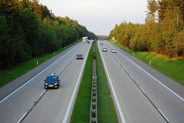 Új elektronikus autópályadíj-rendszert vezet be Szlovénia