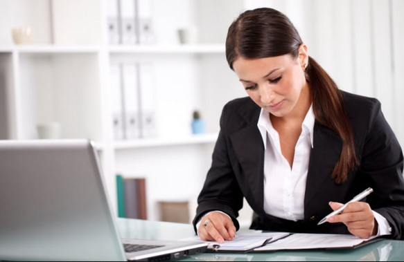 Fontos határidő jár le az egyéni vállalkozóknak