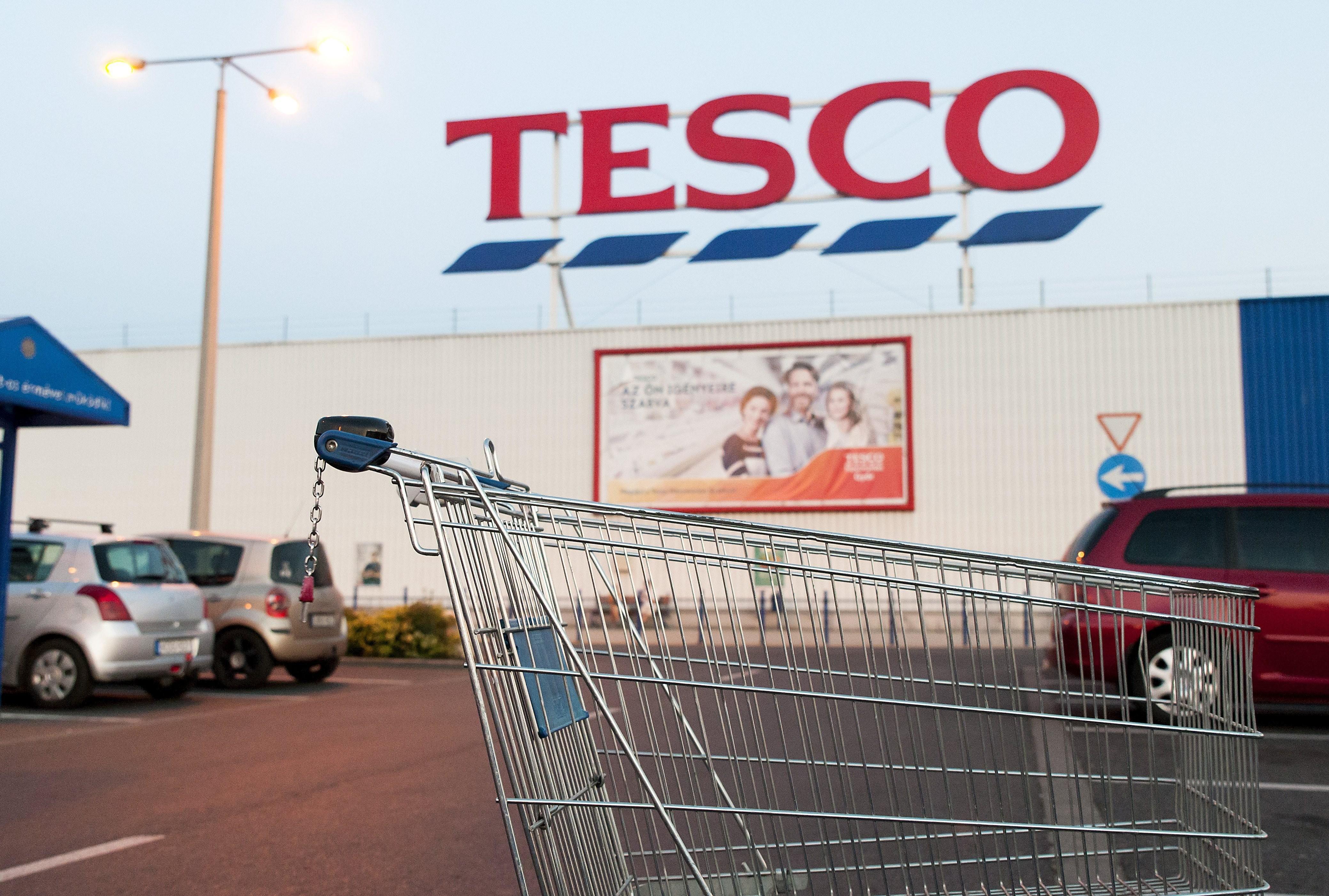 Ezek a Tesco áruházak zártak be a sztrájk miatt