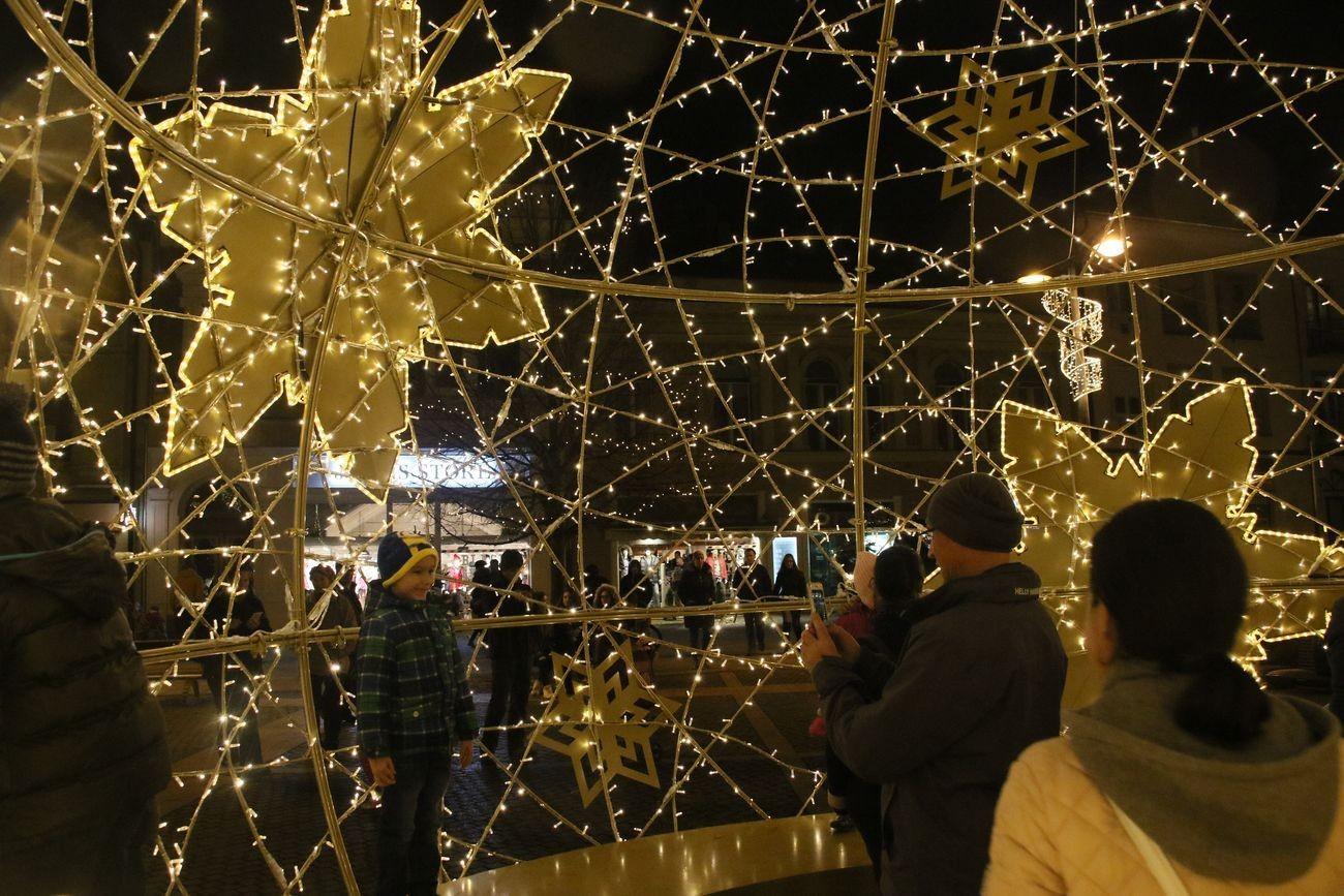 Szombathelyi advent: ünnepvárás a Fő téren - fotósorozat