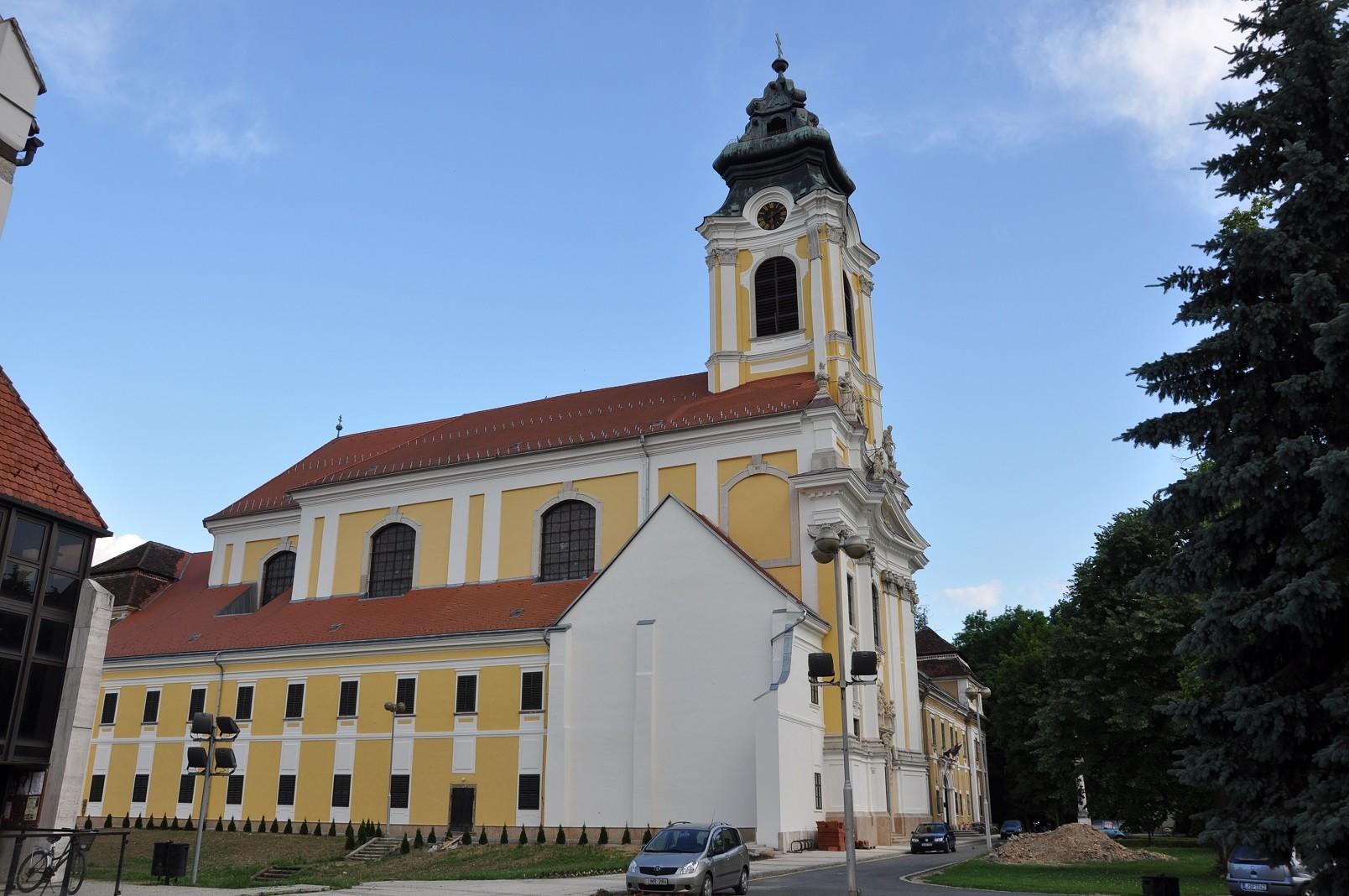 Megújul a szentgotthárdi Nagyboldogasszony-templom belseje