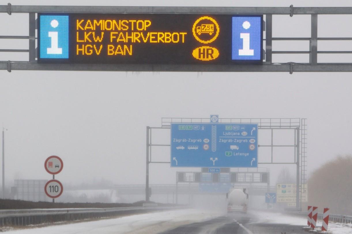 Kamionstop a horvát határon