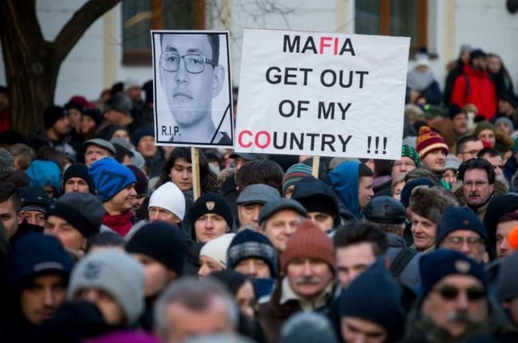 Szlovák belpolitikai válság - Tüntettek Pozsonyban