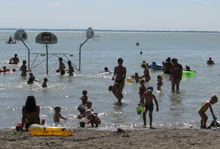 Soha nem volt még ilyen meleg a Balaton vize