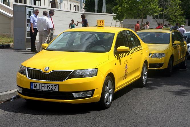 Jogszabály-változások - Szigorodnak a taxizás szabályai januártól