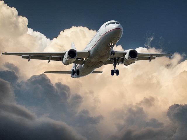 Sztrájk - Hétfőn sztrájk miatt törli járatait a légitársaság