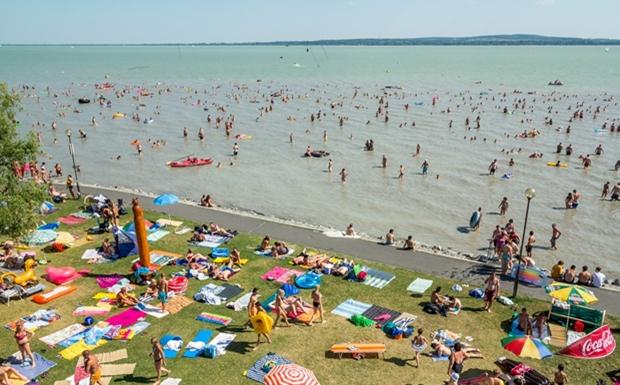 Itt van az idei balatoni strandbelépők listája