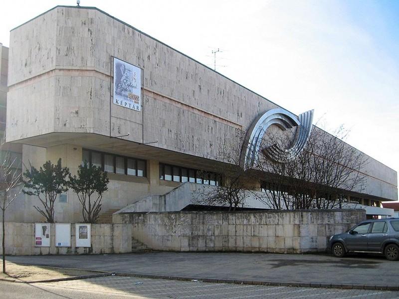 1 420 000 000 forint - ennyiből újítják fel a Szombathelyi Képtár épületét