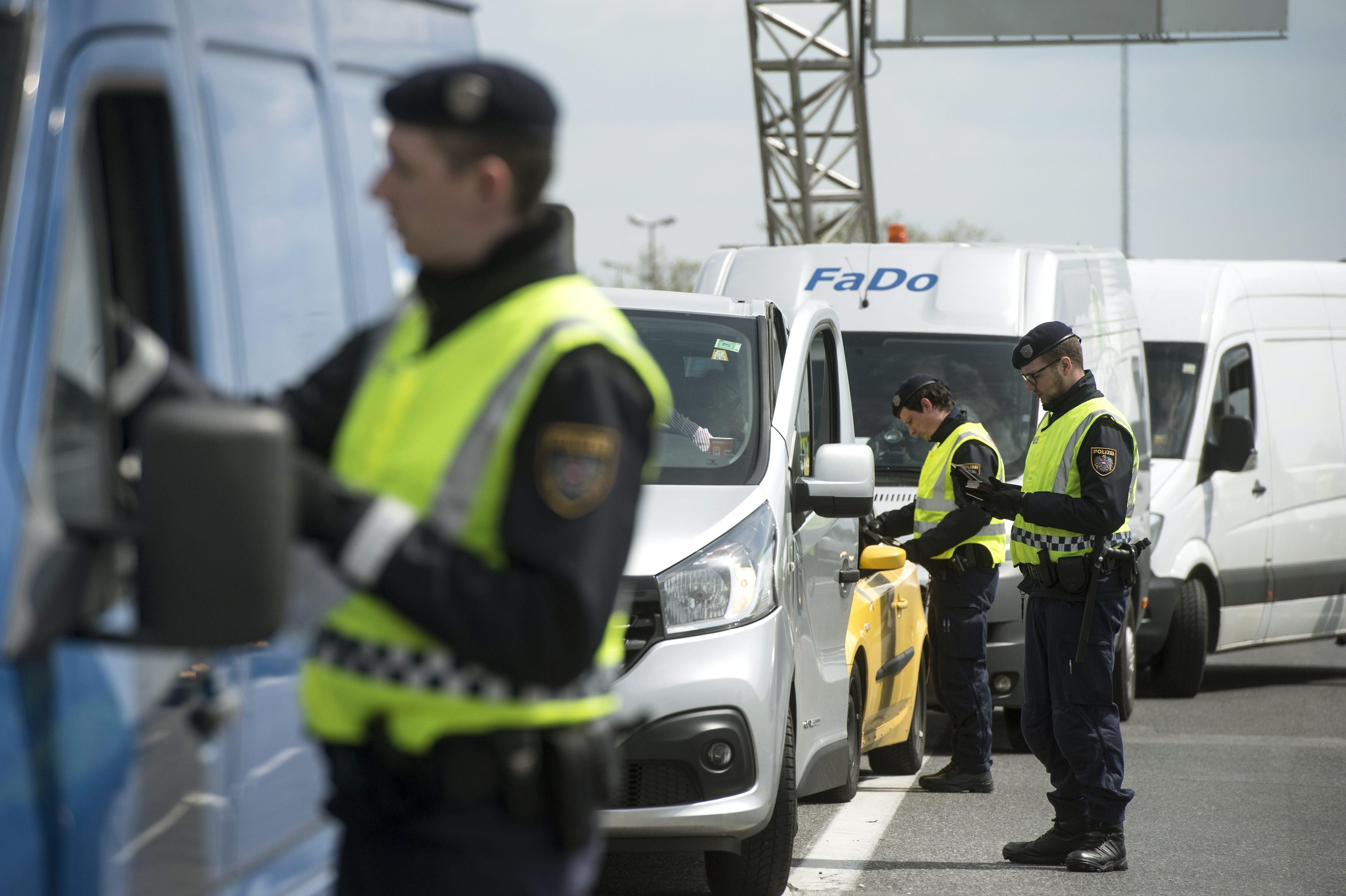 Korlátozást vezet be Ausztria a soproni és a kópházi határátkelőknél
