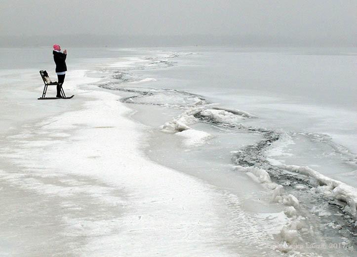 Hiába az extrém hideg, a Balaton jege nem alkalmas korcsolyázásra