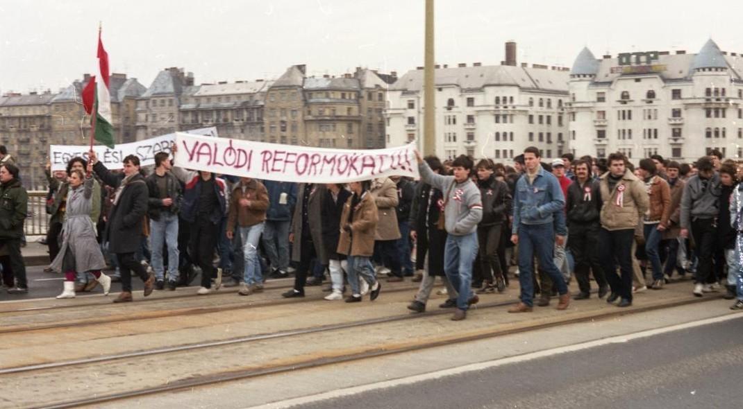 Így ünnepelték egykor Budapesten március 15-ét (képek)