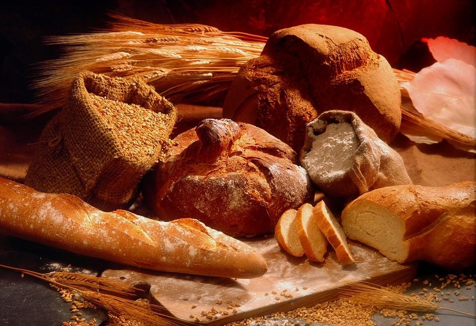 Ennyit változott az élelmiszerek, a burgonya, a kenyér ára egy év alatt