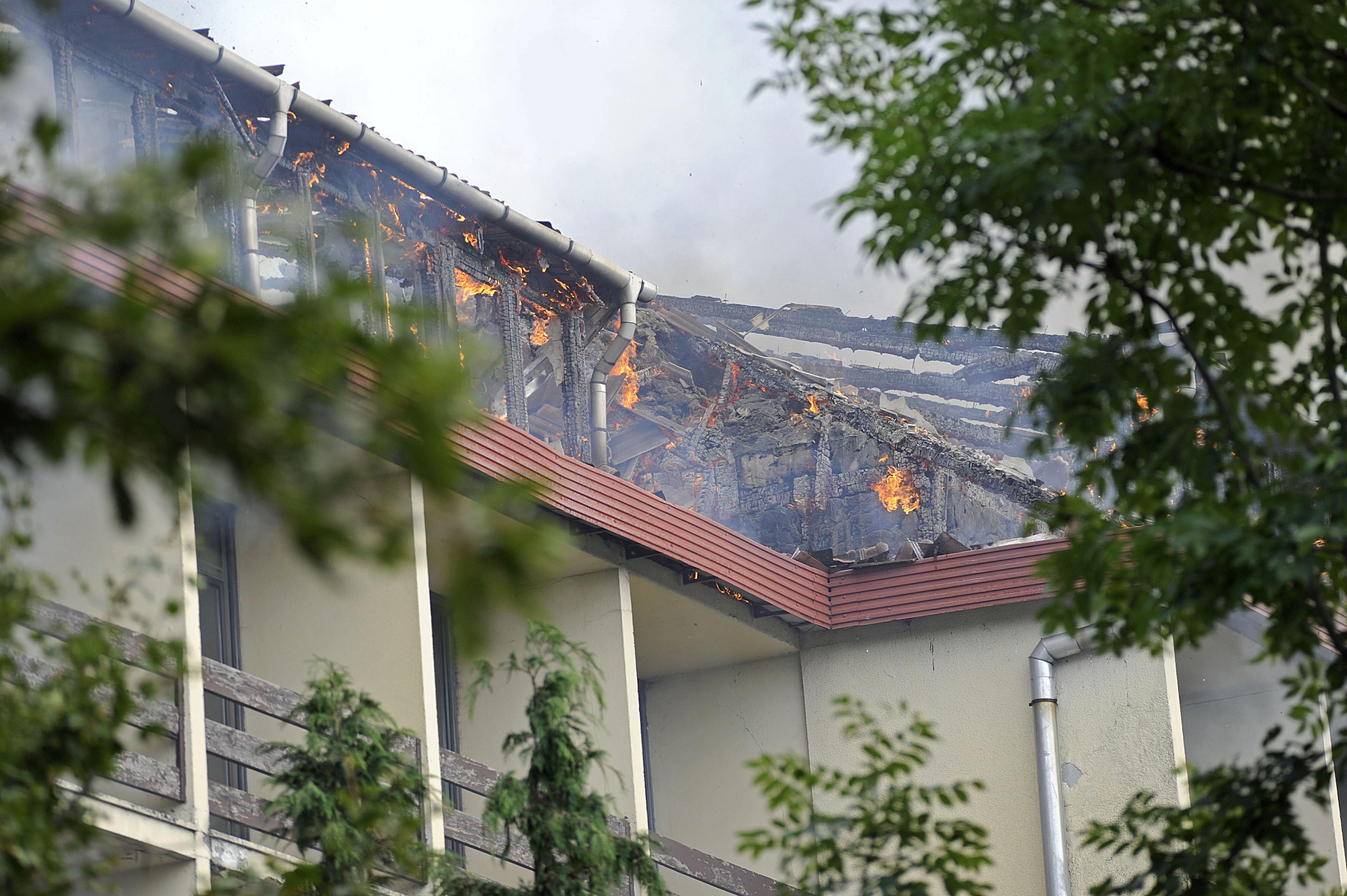 Kigyulladt egy szálloda Dobogókőn és egy Sopronban