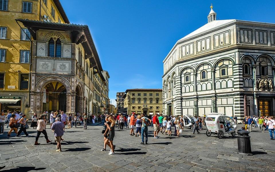 Betontömbökkel és kordonokkal védik az olasz városok központjait