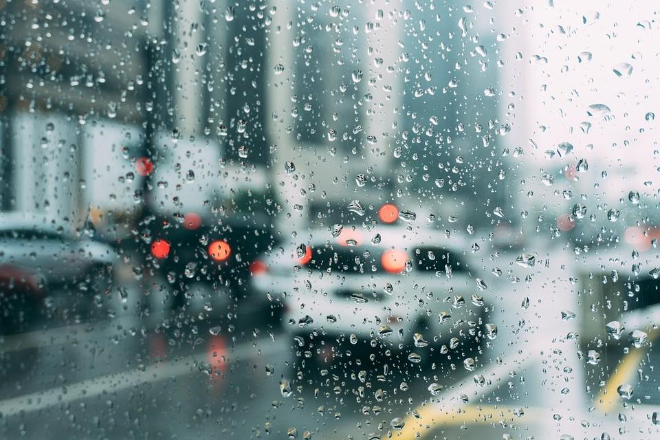 5 tipp a biztonságos őszi vezetéshez
