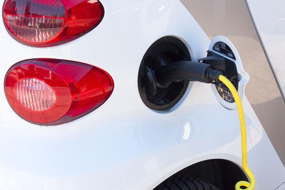 2030 után már Szlovénia is betiltaná a benzines és a dízeles autókat