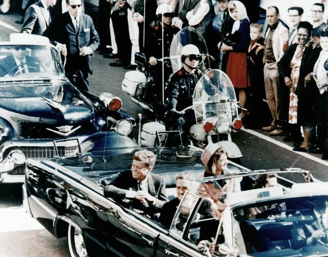Ötvennégy éve gyilkolták meg J. F. Kennedy-t