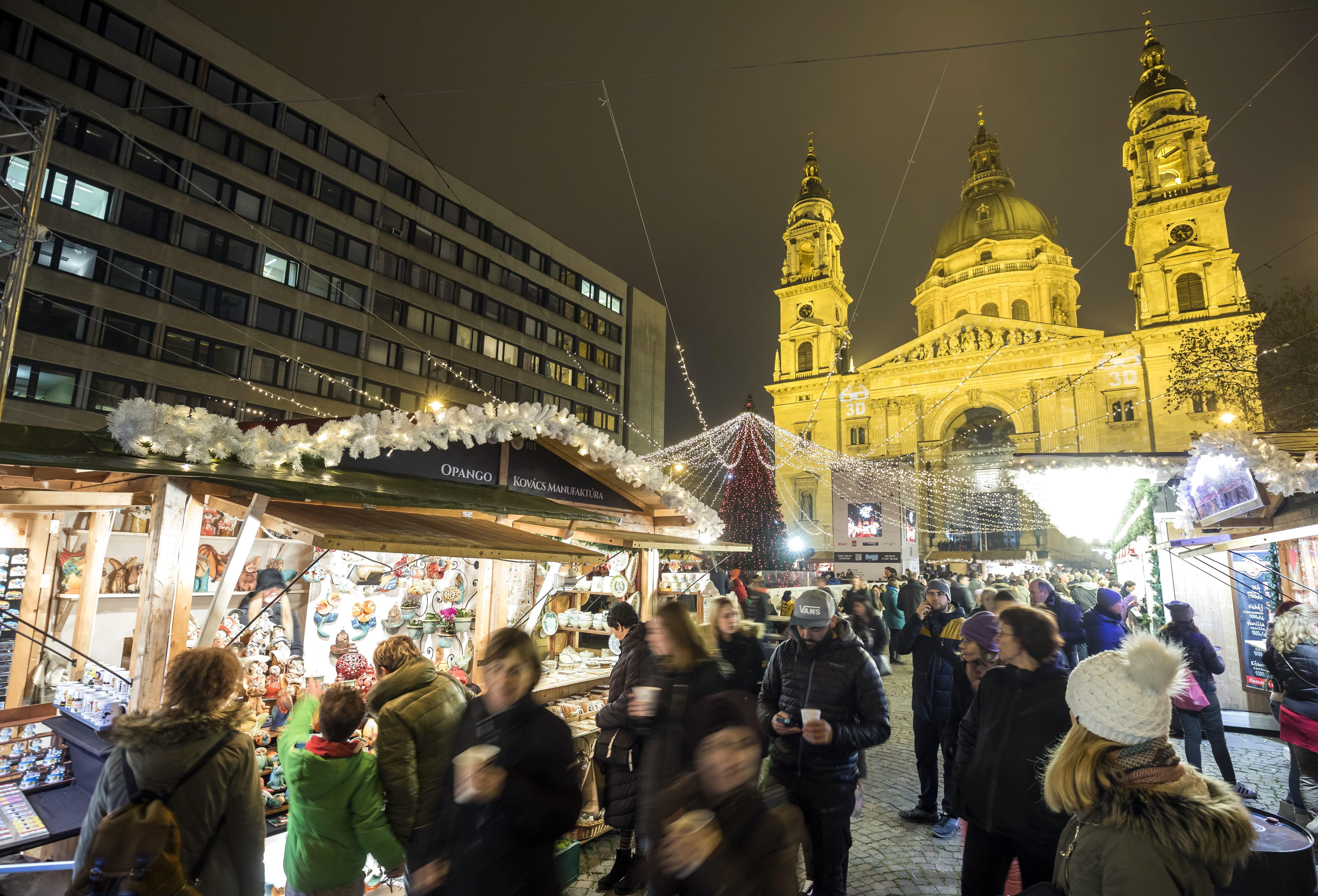 Budapesti advent - Ünnepvárás a Bazilikánál és az Országház előtt  - fotók