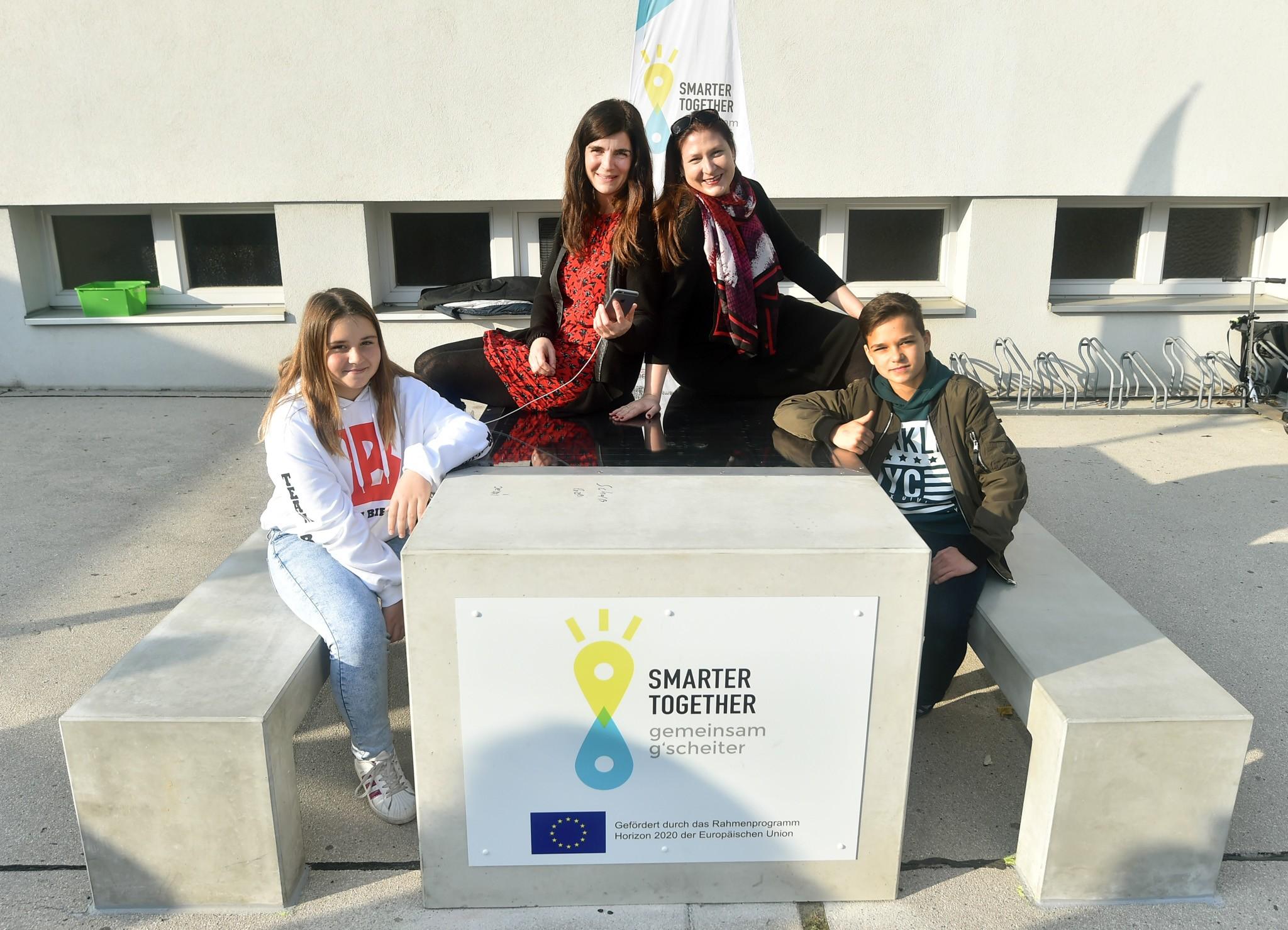 Napenergiával tölthetik fel mobiltelefonjukat a diákok Bécsben