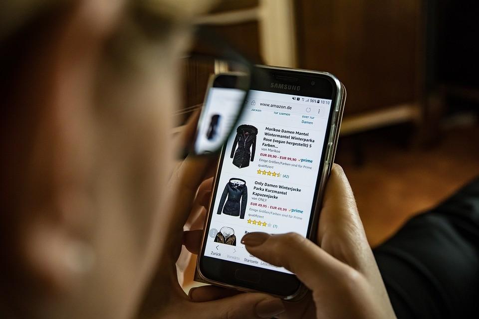 Kiemelten ellenőrzi a webáruházakat az idén is a fogyasztóvédelem