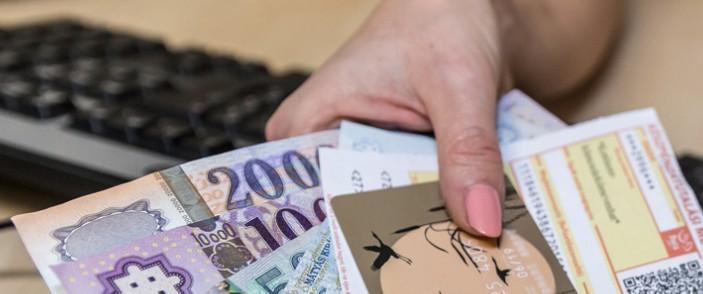 A számlák 77 százalékát fizetik a magyarok időben
