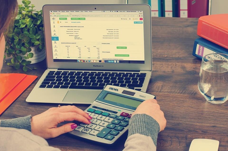 Ennyi az átlagos 13. havi fizetés Magyarországon