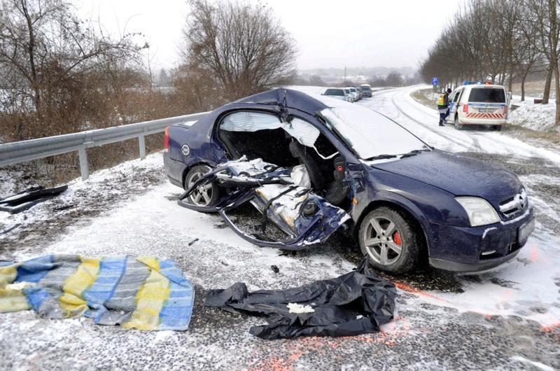 Havazás - Közel száz baleset történt a keddi napon