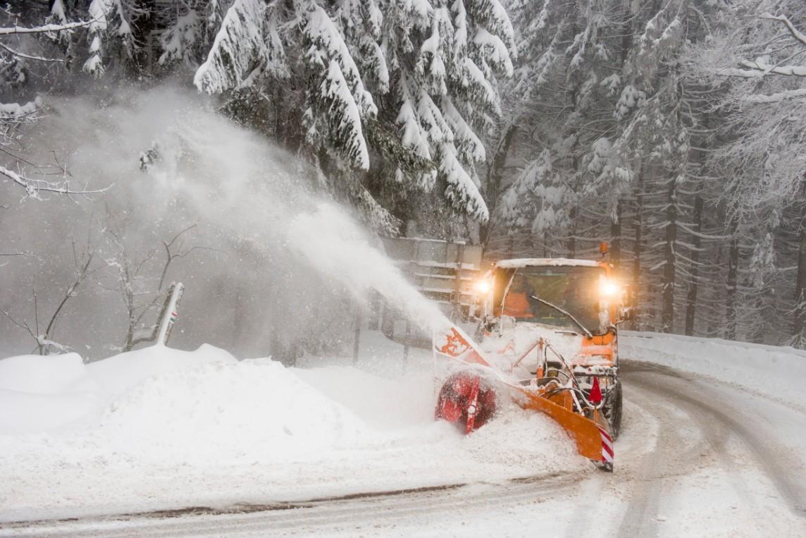 Már felkészültek - Országszerte téli üzemmódra vált a közútkezelő