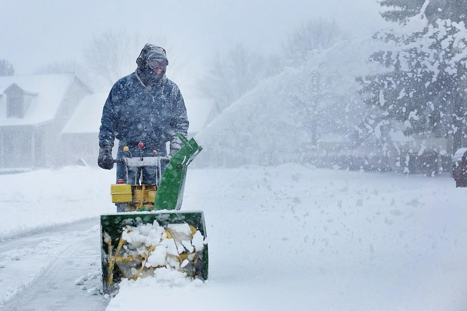 Még nincs vége: Havazás és hófúvás lesz csütörtökön napközben is