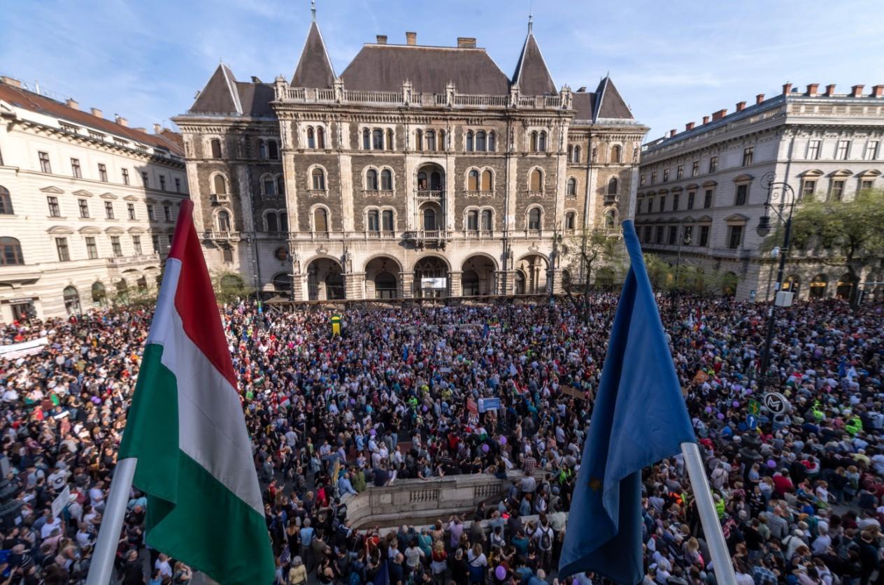 Kormányellenes tüntetés volt Budapesten