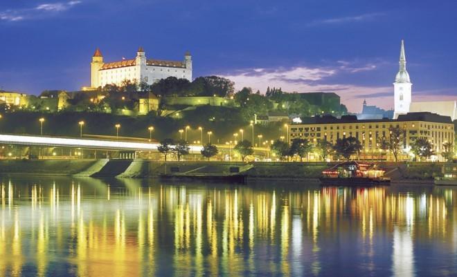 Bajban a szlovák főváros: a pozsonyiak harmada nem ...