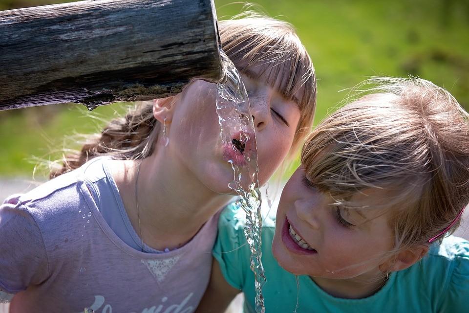 Tíz jel, hogy kevés vizet iszik