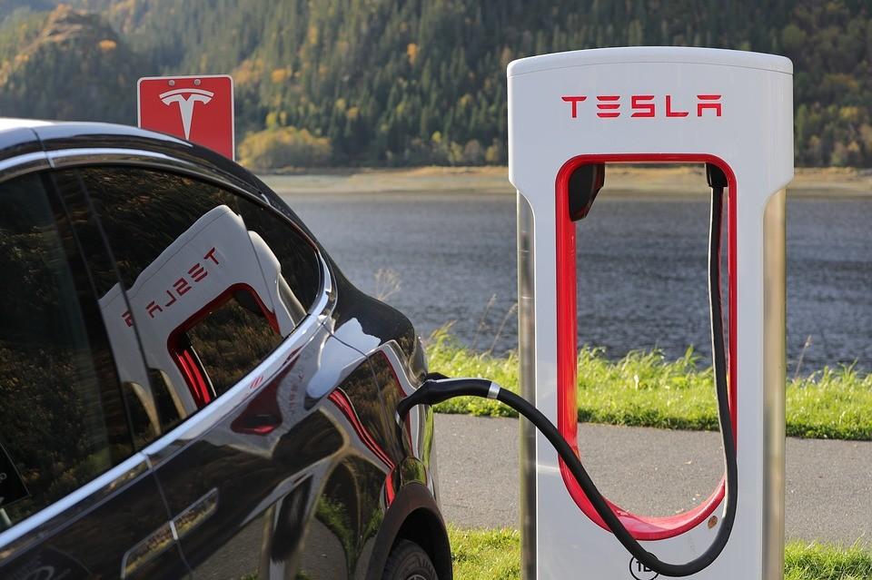 Tesla-botrány Németországban - oda a vásárlók kedvezménye