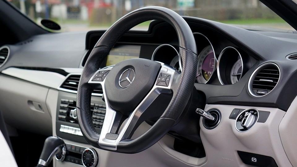 Nem balesetveszélyesek a jobbkormányos autók a kontinensen