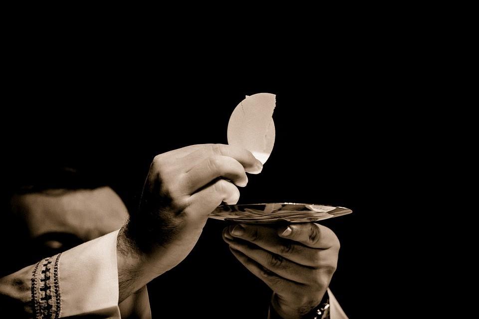 Zaklatási botrány - 300 katolikus pap szexuális zaklatási botrányba keveredett Amerikában