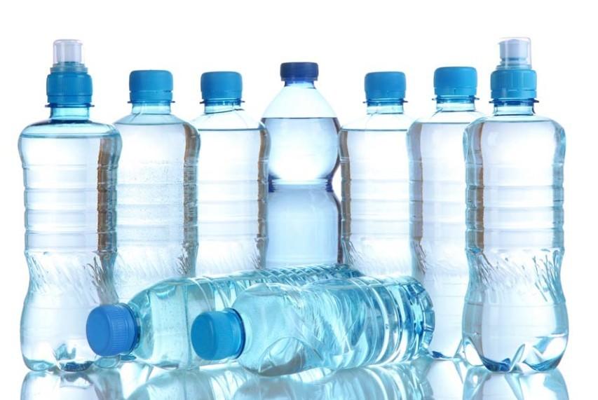 Veszélyes az egészségünkre az újratöltött PET palack