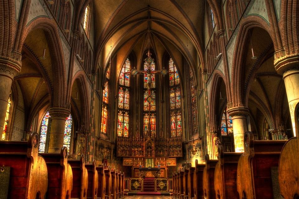 Ma ünnepli a katolikus egyház a legfontosabb Mária-ünnepet, Nagyboldogasszony napját