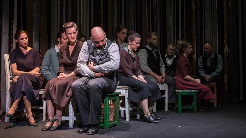 A felelősség az enyém – Egy piaci nap; ősbemutató a budapesti Radnóti Színházban