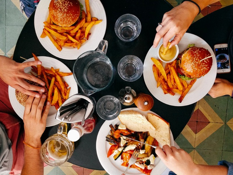 A falási rohamok és a rossz étkezési szokások így leküzdhetők