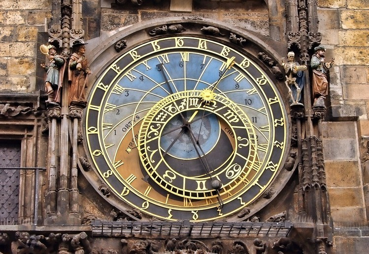 A híres prágai csillagászati óra szeptember végétől ismét látható lesz