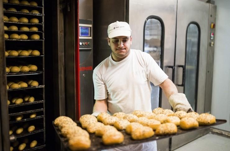 Veszteségesek a pékek - Áron alul értékesítik a kenyeret és a zsemlét