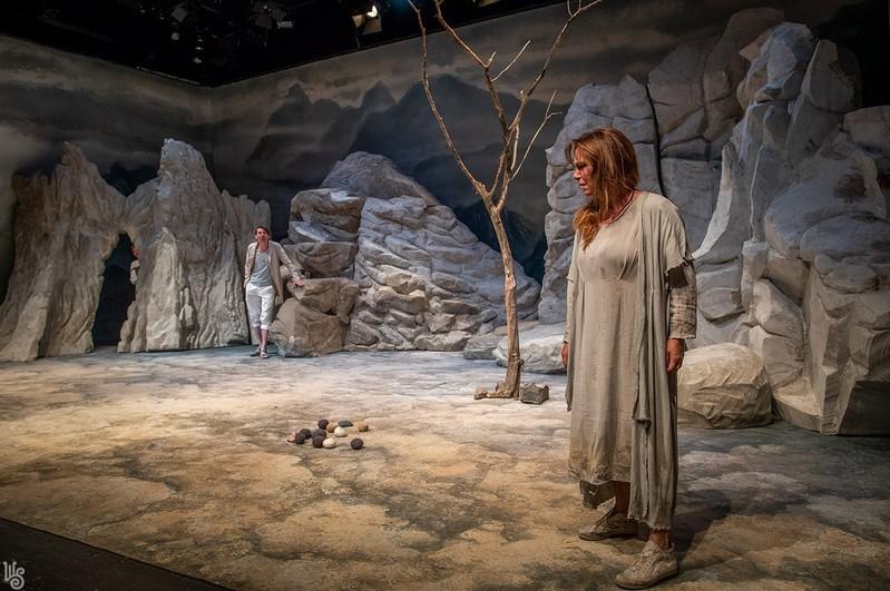Médeia - Lukáts Andor rendezésében a szombathelyi Weöres Sándor Színházban