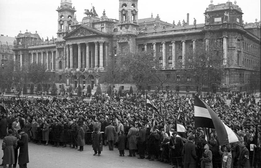 Október 23. - Történész: 1956-ban vezetett robbanáshoz a terror