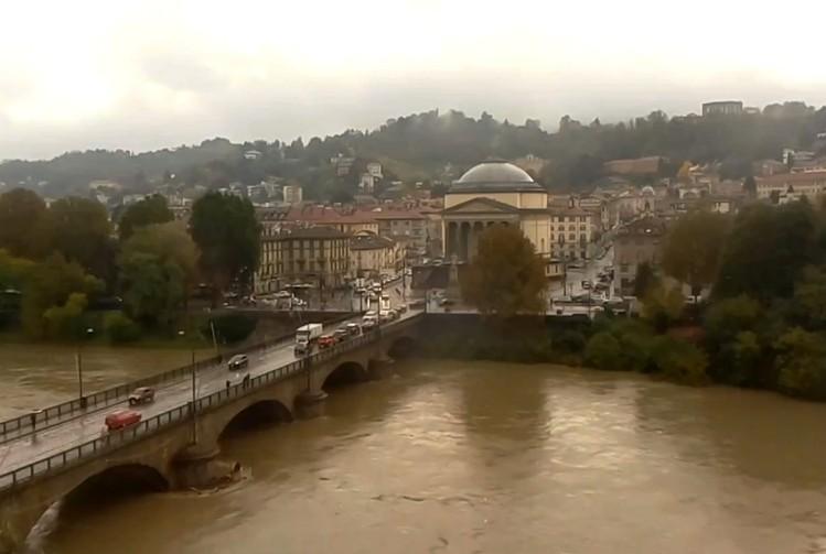 Riasztást adtak ki Olaszországban az esőzés miatt - Október elejétől 36-an vesztették életüket