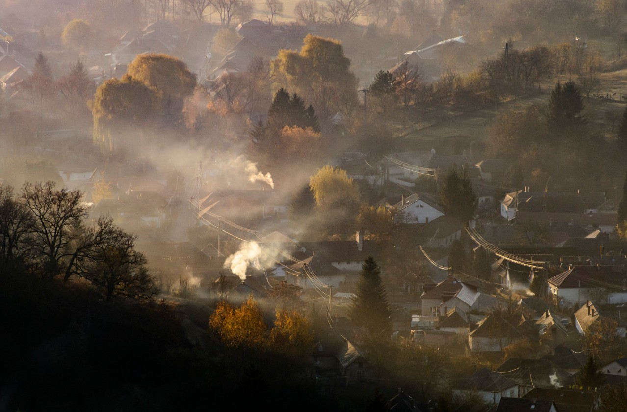 Veszélyes a levegő egy városban, ötben pedig egészségtelen