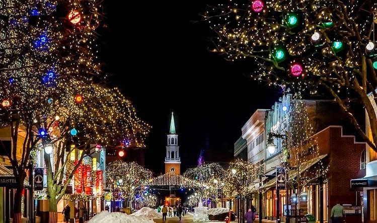 A karácsonyi fényfüzérek fele problémás, áramütést vagy lakástüzet okozhatnak