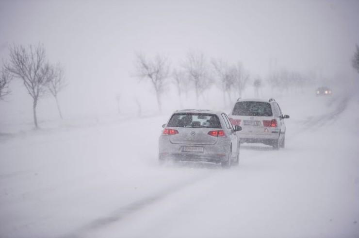 Időjárás-előrejelzés - Vészjelzés: Van, ahol a hófúvásra, míg máshol az ónos esőre figyelmeztetnek