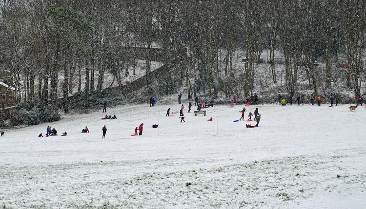 Időjárás-előrejelzés - Hófúvás miatt hét megyére figyelmeztetést adtak ki vasárnapra