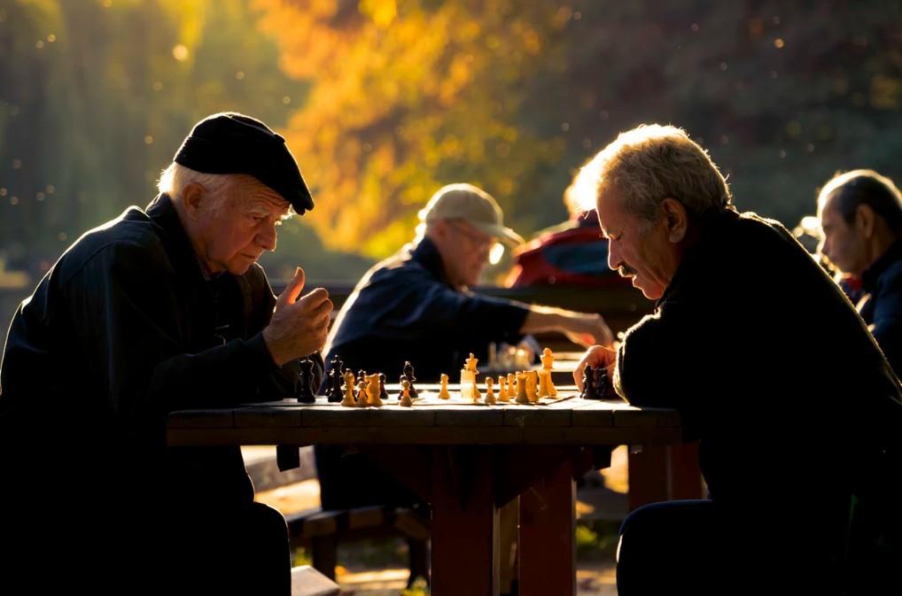Kiderült, hogy 2019-ben mennyivel emelkednek a nyugdíjak