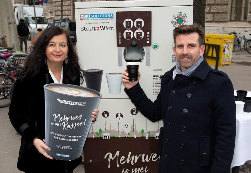 1 eurós kupont kap az eldobható kávéspohárért Bécsben, ha visszaviszi